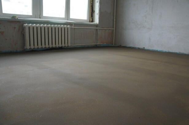 Хорошо подготовленный бетонный пол для укладки подложки под линолеум