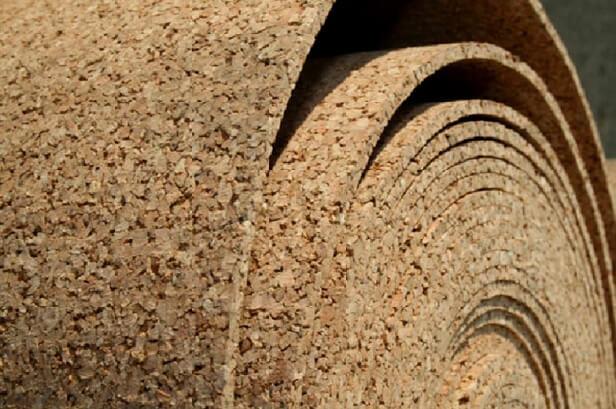 рулон пробковой подложки под линолеум на бетонный пол