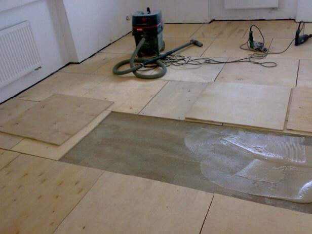 укладывается фанерный пол под линолеум на бетонный пол