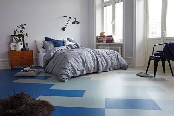 Молодежный дизайн линолеума в спальне