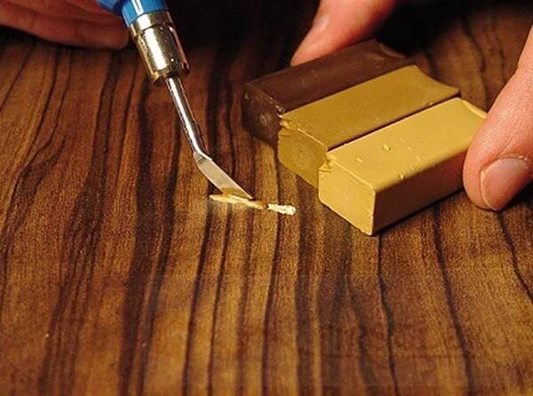 ремонт линолеума с дырой линолеумной мастикой для заделки дыр
