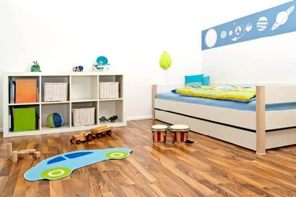 полукоммерческий вариант линолеума в детской комнате