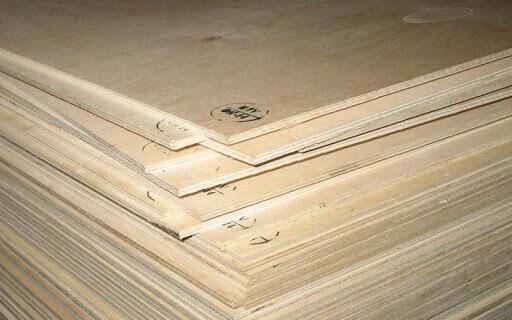 стопка листов фанеры разной толщины на пол под линолеум