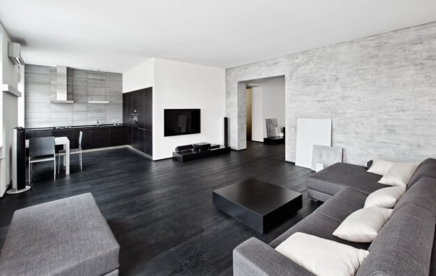 Черный цвет линолеума в освещенном помещении