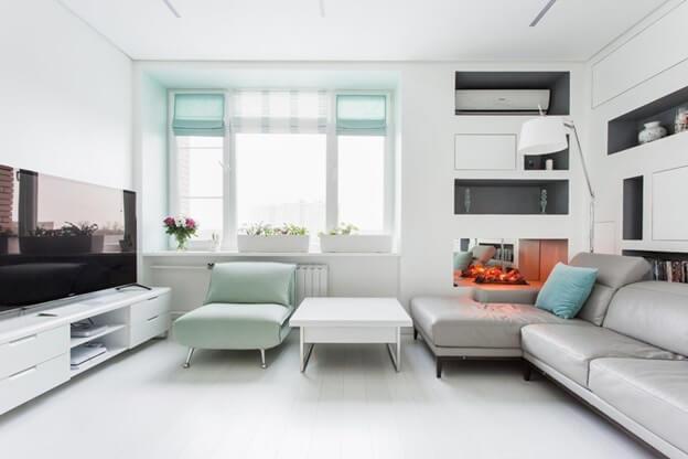 Белый цвет линолеума увеличивает площадь комнаты