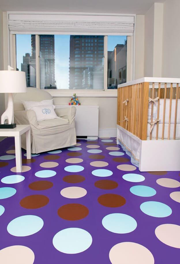 феолетовый линолеум в горошек в детской комнате
