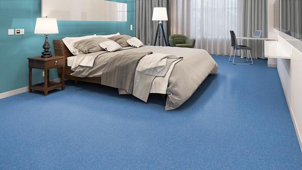 светло синий цвет линолеума в спальне