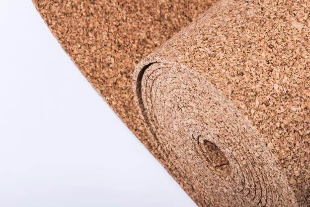 Рулон пробковой подложки под ламинат