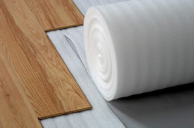 Укладка ламината и подложки на теплый пол
