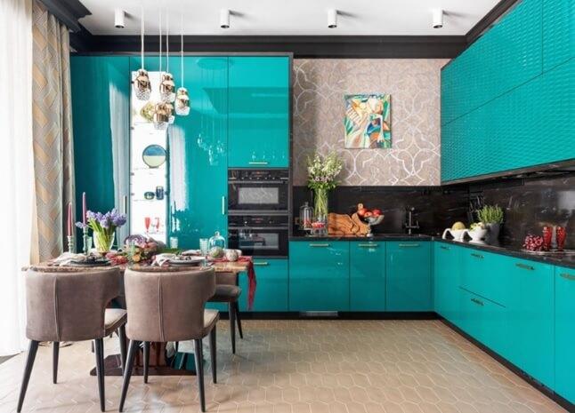 Вытянутая шестигранная половая плитка на кухне