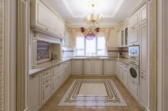 Напольное панно из плитки на кухне